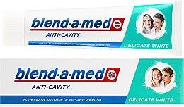 Kup Wybielająca pasta do zębów - Blend-a-med Anti-Cavity Delicate White