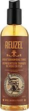 Kup Utrwalający tonik w sprayu do układania włosów dla mężczyzn - Reuzel Spray Grooming Tonic