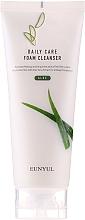 Kup Pianka oczyszczająca do mycia twarzy z aloesem - Eunyul Daily Care Aloe Foam Cleanser