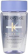 Kup Nawilżający szampon do włosów rozjaśnianych i z pasemkami - Kerastase Blond Absolu Bain Lumiere Shampoo (miniprodukt)