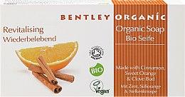 Kup Mydło kosmetyczne w kostce Cynamon, pomarańcza i goździk - Bentley Organic Revitalising Organic Soap