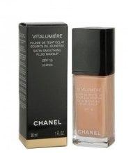 Kup Rozświetlający podkład do twarzy - Chanel Vitalumiere Fluide SPF15