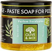 Kup Czarne mydło peelingujące o zapachu eukaliptusa - Saryane Olive & Moi Savon Noir