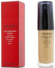 Kup PRZECENA! Rozświetlający podkład do twarzy SPF 20 - Shiseido Synchro Skin Glow Luminizing Fluid Foundation *