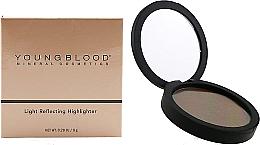 Kup Rozświetlacz do twarzy - Youngblood Light Reflecting Highlighter