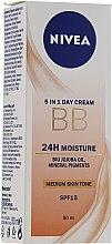 Kup Nawilżający krem BB SPF 15 - Nivea 5 In 1 BB Day Cream 24H Moisture