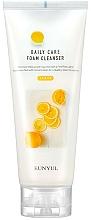 Kup Oczyszczająca pianka z ekstraktem z cytryny - Eunyul Daily Care Lemon Foam Cleanser