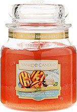 Kup Świeca zapachowa w słoiku - Yankee Candle Grilled Peaches & Vanilla