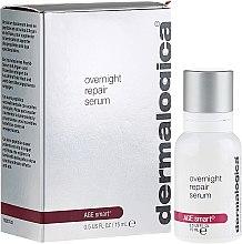Kup Silnie regenerujące serum na noc do skóry dojrzałej i przedwcześnie starzejącej się - Dermalogica Age Smart Overnight Repair Serum