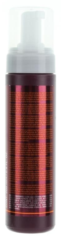 Prostująca pianka do włosów, mocno utrwalająca - Salerm Pro Line Liss Foam — фото N2