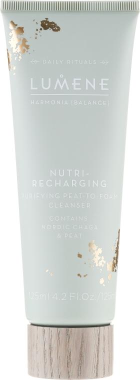 Oczyszczający preparat regenerujący do twarzy - Lumene Harmonia [Balance] Nutri-Recharging Purifying Peat To Foam Cleanser — фото N1