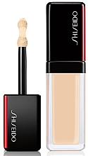 Kup PRZECENA! Nawilżający korektor w płynie do twarzy - Shiseido Synchro Skin Self-Refreshing Concealer *