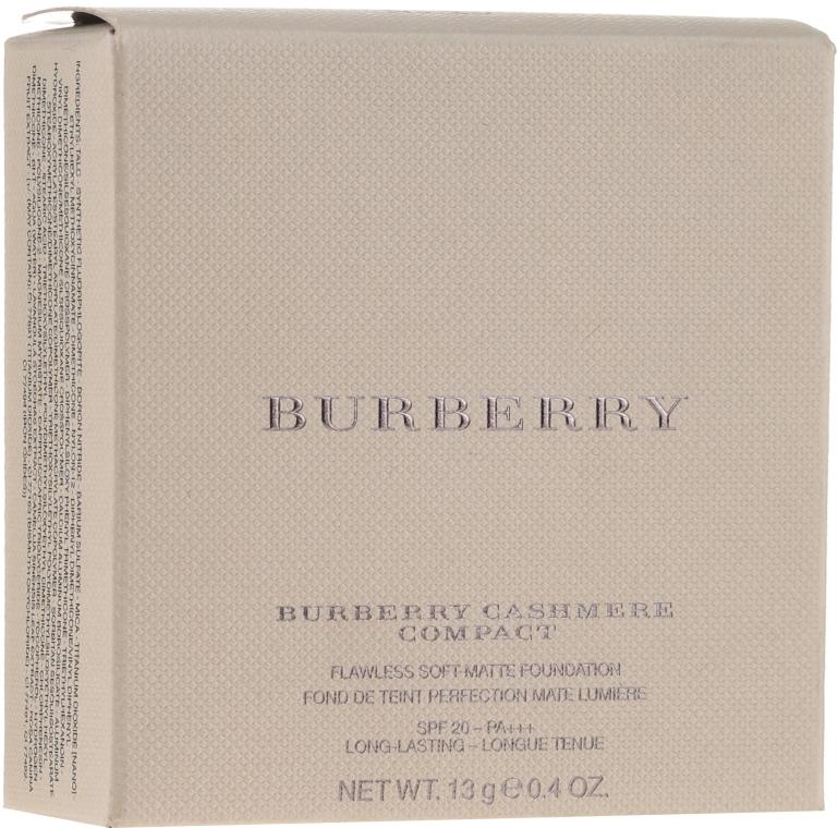 Matujący podkład w pudrze do twarzy - Burberry Cashmere Compact — фото N1