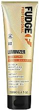 Kup Szampon nawilżający do ochrony koloru włosów farbowanych i zniszczonych - Fudge Luminizer Moisture Boost Shampoo