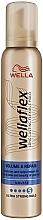 Kup Ultramocna pianka do włosów Objętość i naprawa - Wella Wellaflex Volume & Repair Ultra Strong Hold Mousse