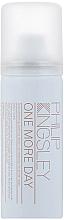 Kup Odświeżający suchy szampon zwiększający objętość włosów - Philip Kingsley One More Day Dry Shampoo