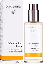 Kup Rewitalizujący krem do twarzy na dzień - Dr. Hauschka Revitalizing Day Cream