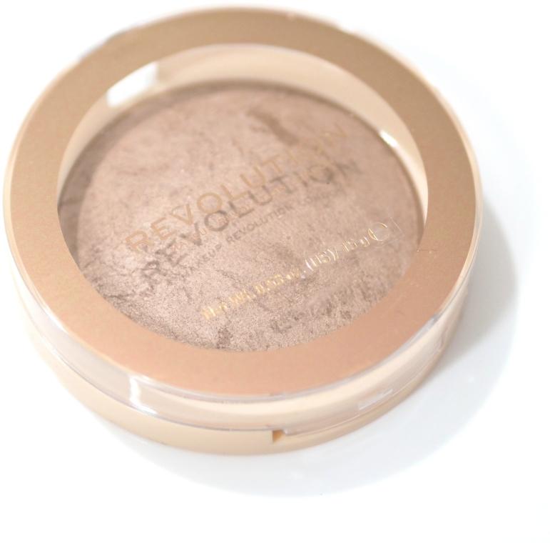 Rozświetlający wypiekany bronzer do twarzy - Makeup Revolution Reloaded Powder Bronzer — фото N3