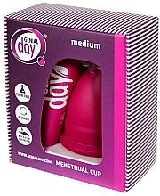 Kup Kubeczek menstruacyjny, rozmiar M - Genial Day Menstrual Cup