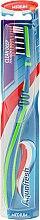 Kup Szczoteczka do zębów, średnia twardość, zielono-niebieska - Aquafresh Clean Deep Medium