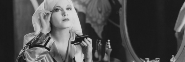 Makijaż i pielęgnacja w stylu retro – odczaruj swoją toaletkę!