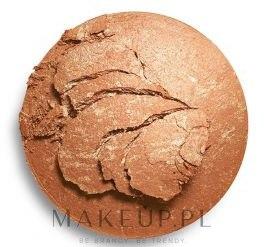 Rozświetlający wypiekany bronzer do twarzy - Makeup Revolution Reloaded Powder Bronzer — фото Long Weekend