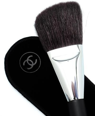 Pędzel do pudru - Chanel Les Pinceaux De Chanel Angled Powder Brush N2 — фото N2