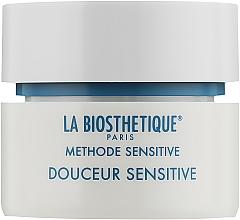 Kup Łagodzący krem do twarzy przywracający równowagę lipidową suchej i wrażliwej skóry - La Biosthetique Douceur Sensitive Cream