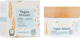 Kup Nawilżający krem do twarzy Owies, pszenica, mleczko kokosowe - Bielenda Vegan Muesli Face Cream
