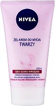 Kup Kremowy żel do mycia twarzy do cery suchej i wrażliwej - Nivea Visage Cleansing Soft Cream Gel