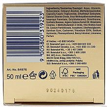 Krem przeciwzmarszczkowy na dzień do cery dojrzałej i wymagającej Ekstraodżywienie SPF 15 - Nivea Visage Q10 Power Extra Day Cream — фото N3