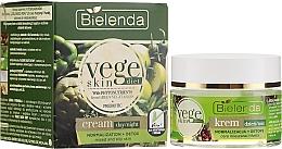Kup Normalizująco-detoksykujący krem na dzień i noc do cery mieszanej i tłustej - Bielenda Vege Skin Diet