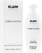 Kup Peelingująca woda tonizująca do tłustej skóry twarzy i ciała - Klapp Clean & Active Exfoliator Oily Skin