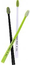 Kup Zestaw szczoteczek do zębów, czarny+biały+zielony - Swissdent Bio Tandborste Triple Pack