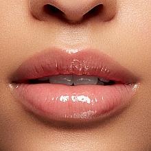 Lśniący balsam z efektem wizualnego powiększania ust - Lancome L'Absolu Mademoiselle Balm — фото N4