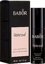 Kup Serum z kompleksem odmładzającym do cery wymagającej regeneracji i ochrony - Babor ReVersive Pro Youth Serum