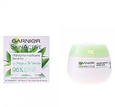 Kup Nawilżający krem matujący z wyciągiem z liści zielonej herbaty - Garnier Skin Active Mattifying Moisturizing Cream