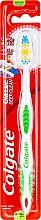 Kup Szczoteczka do zębów średnio twarda, zielona - Colgate Classic Deep Clean