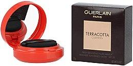 Kup Brązujący podkład do twarzy - Guerlain Terracotta Cushion Fresh Bronzing Fluid Makeup SPF 20