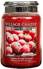 Kup Świeca zapachowa w słoiku - Village Candle Cypress & Iced Currant Glass Jar
