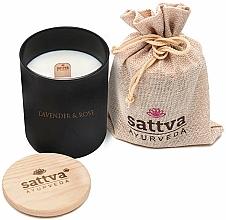 Kup Świeca zapachowa Lawenda i róża indyjska - Sattva Lavender & Indian Rose Candle